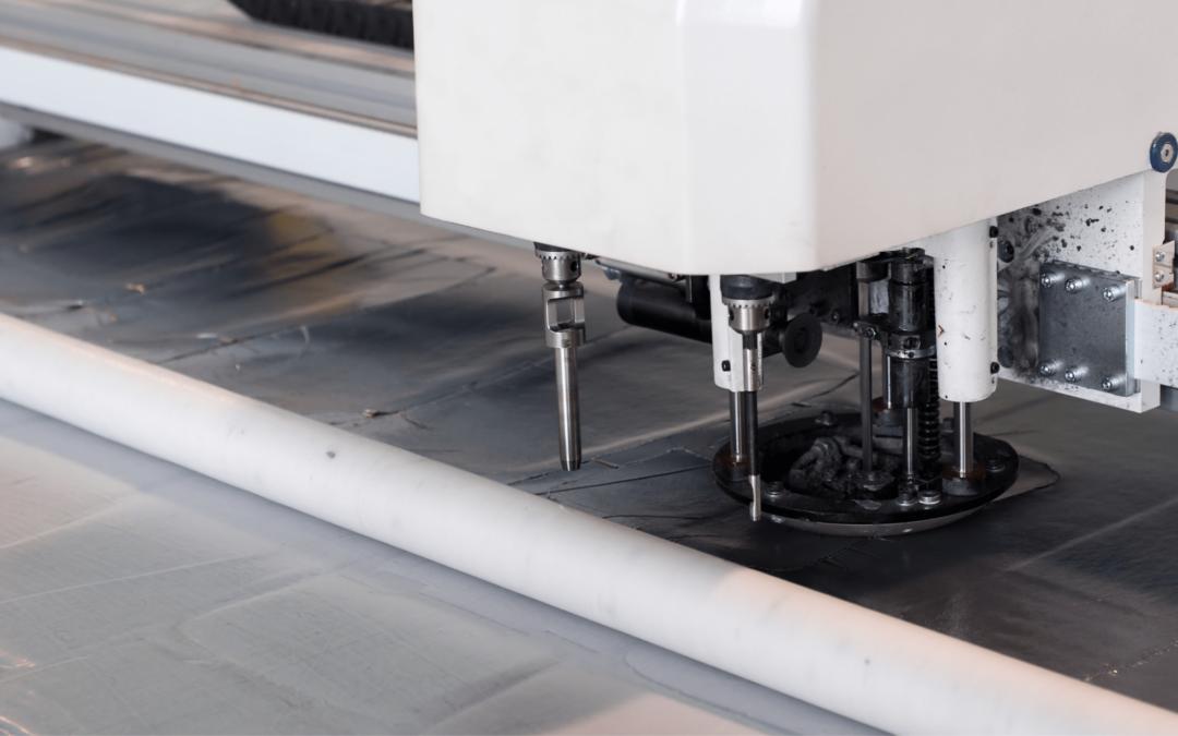 Taglio automatico tessuti: i 5 vantaggi per l'industria tessile
